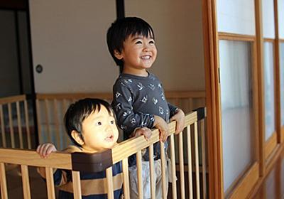 兄弟ゲンカ予防におすすめ!安いのにおしゃれな木製のベビーサークル購入レビュー! - 絵描きパパの育児実験記ロクLABO