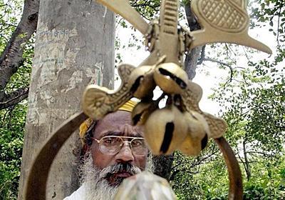 娘が男に…偽物のペニスで奇跡演出 バングラの一家を詐欺で逮捕 写真1枚 国際ニュース:AFPBB News