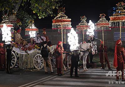結婚式に向かう花婿、銃撃され手術受けるも同日無事結婚 印 写真1枚 国際ニュース:AFPBB News
