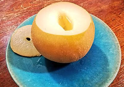 """yucchosanさんのツイート: """"喉が痛いので梨の芯くり抜いて水とはちみつ垂らして40分蒸すやつやってみたら食べ終わる頃には汗かくほど体温まって喉の痛みもなんか和らぎました🙆味も洋梨の"""