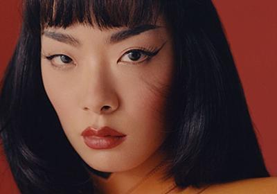 「アジア人でクィアである」ポップスターの誕生。日本生まれのリナ・サワヤマが次世代に伝えたいこと   ハフポスト