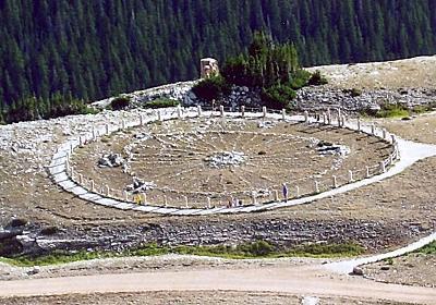 誰が?いったい何のために?謎に満ち溢れた円形の建造物「メディスン・ホイール」(アメリカ) : カラパイア