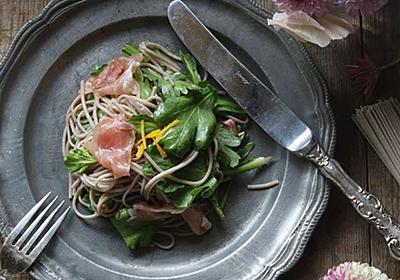 今年はいきなり節約レシピ!~春菊と蕎麦のシンプルサラダ - 今日、なに食べよう?〜有機野菜の畑から~