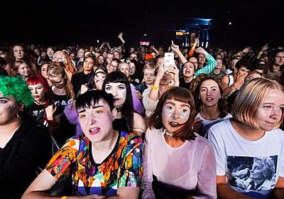 フェミさん「男がいない女性限定の音楽フェスをします!」→ 政府により性差別認定され有罪確定へwwwww : ユルクヤル、外国人から見た世界