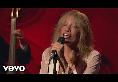 Carly Simon - Moonlight Serenade (Live On The Queen Mary 2) - YouTube