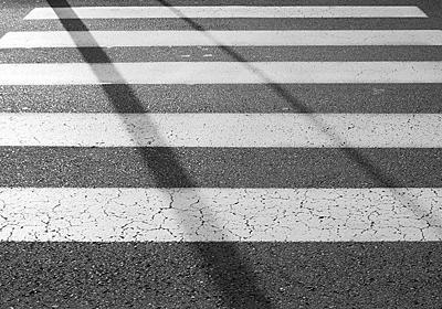 目の前で少女が車に轢かれたーーその時、見てしまった世界|匿名の街、東京|嘉島唯|cakes(ケイクス)