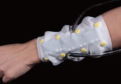 腕をなでられる感覚を再現 コンパクトなスリーブ型触覚デバイスを東大などが開発:Innovative Tech - ITmedia NEWS