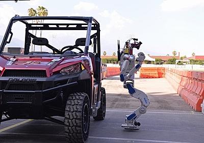 DARPAロボットコンテスト、優勝は韓国チーム 転倒するロボットに同情や声援 - ITmedia NEWS