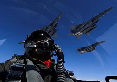 コラム:中露の狙いは「米同盟壊し」、領空侵犯で日韓対立煽る - ロイター