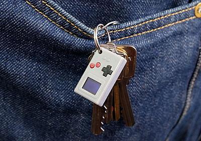 RaspberryシリコンRP2040を採用した親指サイズのゲーム機「Thumby」