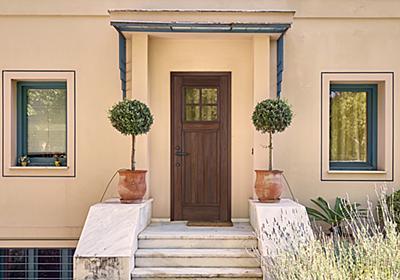 天然木のリフォーム用玄関ドア|日経アーキテクチュア