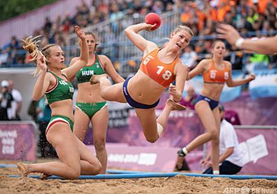 ビキニ拒否し短パンで競技 ノルウェーの女子ビーチハンド、 罰金も 写真4枚 国際ニュース:AFPBB News