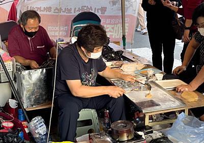 イカゲームの「カルメ焼きのプロ」、屋台が大繁盛 韓国