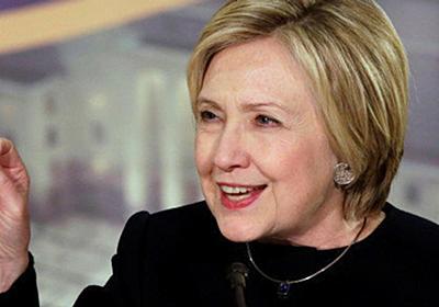 ヒラリー・クリントン氏、自身の偽ニュースをばらまいたマイケル・フリン氏の辞任に思わず反応 | ハフポスト