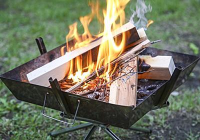 初心者もできる「失敗しない焚き火のコツ」 火おこしの手順、薪の組み方、あると便利なキャンプ道具を、年中キャンプ漬けの僕が紹介 - ソレドコ
