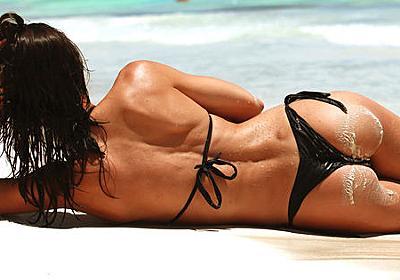 肛門で日光を30秒間浴びる「肛門日光浴」は通常の日光浴1日分の効果があるとSNS上で実践する投稿が多数登場 - GIGAZINE
