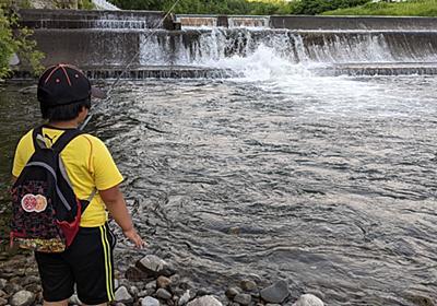 旭川市、辺別川で渓流釣り!なかなか様になってきた息子くんです。 - とーちゃん子育てと釣り日記