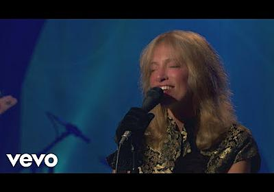 Carly Simon - Coming Around Again (Live On The Queen Mary 2) - YouTube