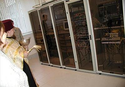 ロシアではサーバーの不具合を直すために神父を呼ぶらしい : おそロシ庵