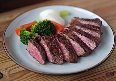 ステーキをおいしく焼く理論。料理家・樋口直哉が教える、肉の焼き方「新常識」【保存版】 - ソレドコ