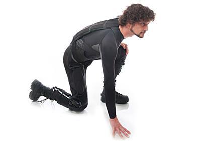 着る人の動きを学習するスマートロボットスーツ「Superflex」開発中。必要部分のみ通電で電池駆動時間を延長 - Engadget 日本版