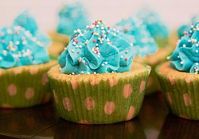なぜアメリカ人は真っ青なケーキを平気で食べるのか? その理由がほぼ判明 | ハーバービジネスオンライン