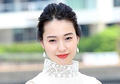 NHKも問題視? 朝ドラヒロイン「戸田恵梨香」に「ネトウヨの父」 | デイリー新潮