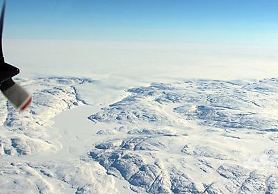 氷河の下に巨大クレーター発見 グリーンランド、隕石衝突で地球規模の影響か 写真1枚 国際ニュース:AFPBB News