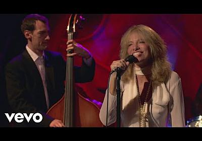 Carly Simon - How Long Has This Been Going On (Live On The Queen Mary 2) - YouTube