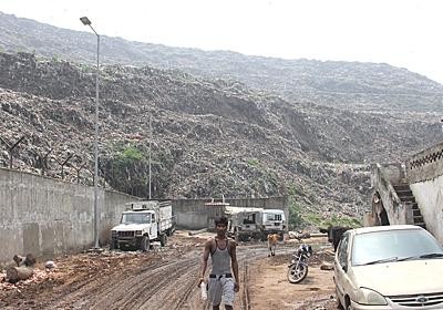 Ghazipur landfill: Despair over Delhi's deadly rubbish dump   India   Al Jazeera