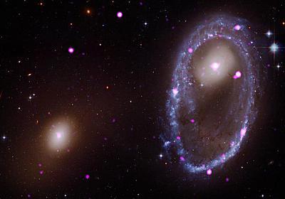 銀河衝突の結末をNASAがとらえた、3億光年先 | ナショナルジオグラフィック日本版サイト