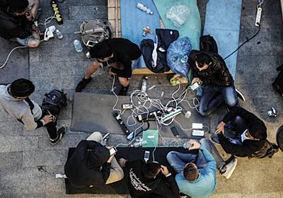 スマートフォンは亡命希望者の敵か味方か? 移民規制に動く欧州諸国、携帯電話のデータ解析を本格化|WIRED.jp