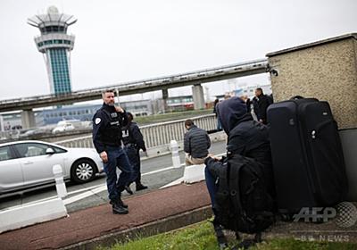 「アラーのために死ぬ」、パリ空港兵士襲撃の容疑者 写真3枚 国際ニュース:AFPBB News