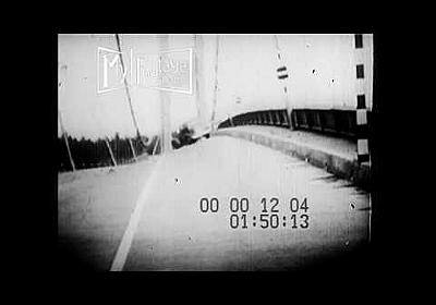 """1940 Tacoma Narrows Bridge """"Galloping Gertie"""" Opening and Collapse - YouTube"""