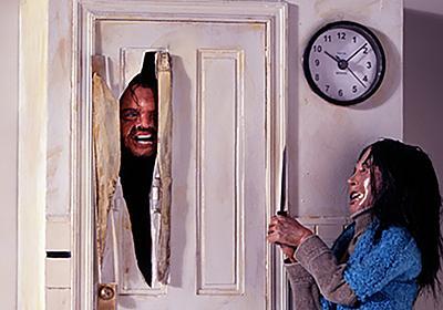 傑作ホラー映画「シャイニング」の鳩時計が注目の的!ジャック・ニコルソンが毎時ドアから出現|FINDERS