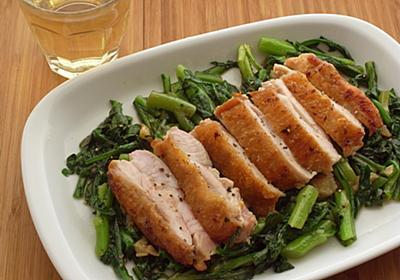 鶏とにんにくのうま味が春菊にメチャ浸透「鶏もも肉と春菊のソテー」【ツジメシの付箋レシピ】 - メシ通 | ホットペッパーグルメ