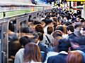 派遣社員にも交通費 大手各社、無期雇用の待遇改善  :日本経済新聞