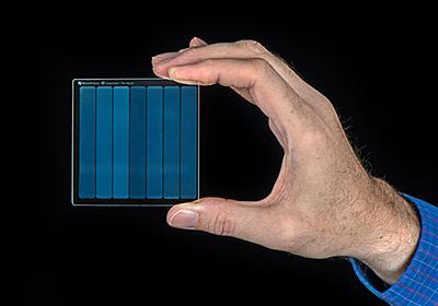 Microsoft、煮ても焼いても喪失しない石英ガラスデータ記録技術 ~映画「スーパーマン」の記録に成功 - PC Watch