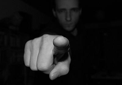 内部告発者を取り巻く社会環境――スキャンダリズム社会における勇気とは何か / 塚越健司 / 情報社会学   SYNODOS -シノドス-