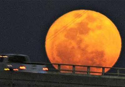 今年も再びやってくる、月が地球に大接近する「スーパームーン」は5月5日到来 : カラパイア