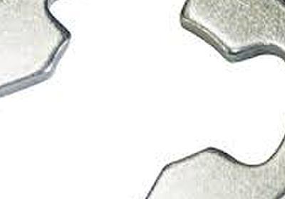 昔の300円ザクとガンダムの肩関節が変な構造だったのは、Eリングを使用する金属素材の設計でそのままやってたから - Togetter