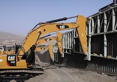 CNN.co.jp : 国境の壁を寄付で建設、私有地で着工 米ニューメキシコ州 - (1/2)