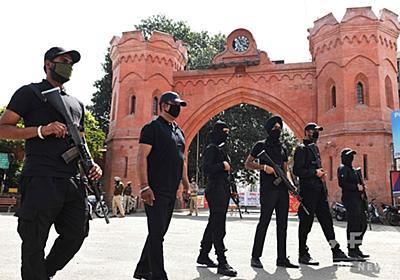 指示無視して説教続けたインドの導師、スーパースプレッダーに 1万5千人が隔離下 写真2枚 国際ニュース:AFPBB News