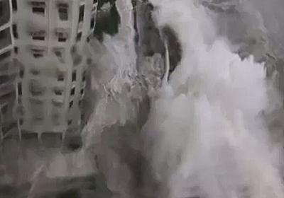【動画】香港に上陸した超強力台風22号の暴風雨のレベルがマジでヤバかった「高層ビルの窓が全部吹っ飛んだ」「シグナル10の最高警戒レベルに達した」 - Togetter