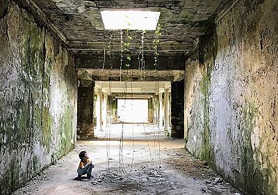 ジョージアの廃墟の町で「スターリン温泉」に入る :: デイリーポータルZ
