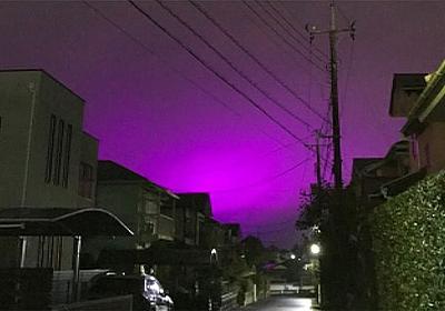 「紫色」の空が出現、理由はトマト農園のLEDライトだった - ライブドアニュース