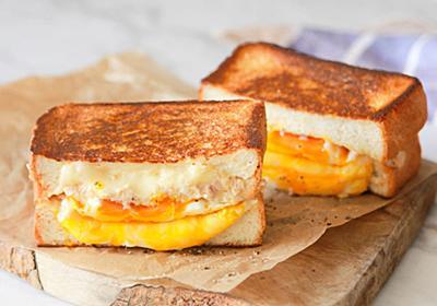 【10分レシピ】食べごたえ抜群!アメリカの定番朝食「ツナメルト」は厚切り食パンで作るともっとおいしい - dressing(ドレッシング)