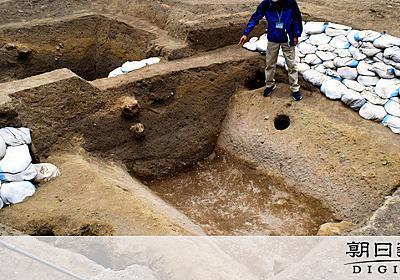 武田信玄ゆかりの城から堀跡を発見 日本唯一の「穴城」:朝日新聞デジタル
