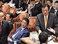 安倍首相、議員指さしヤジ その後「申し訳ない」 衆院予算委、審議一時中断 - 毎日新聞