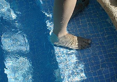 水泳のクロールでゆっくり長く泳げるようになるコツ - もんさん見せる